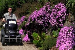 Every entry to the #ILoveMyGarden competition will result in £1 being donated to Countryside Mobility